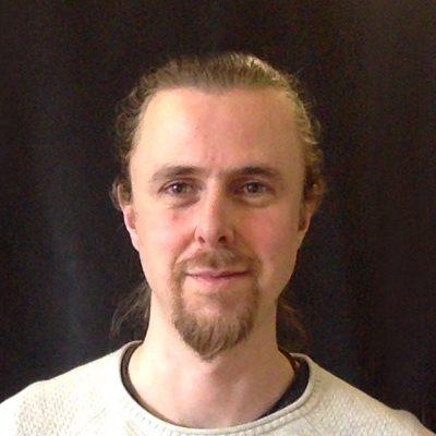 Chiropractor Melick GB Adrian Larrain